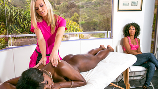 Massage become threesome