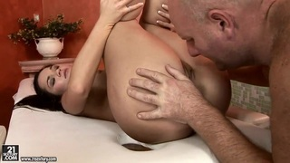 Horny man is licking Sandra Rodriguez out