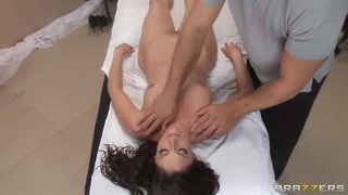 Samantha is in major need of an erotic massage by handsome Ramon