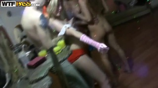Dasi West and her friends having groupsex