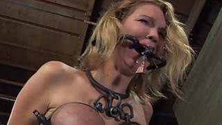 Tough girl in shackles acquires her twat pumped