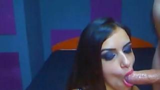 Stunning Latina Webcam Girl Has Talents