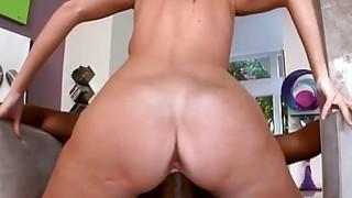 Horny chick Jennifer Dark with