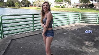 Hotvideosx Shy girl poses erotically to take pictures