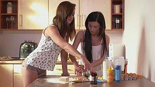 Hotvideosx Dick-craving moms bake love together