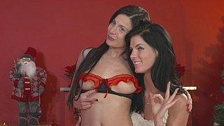 Hotvideosx Lovely lesbain Xmas
