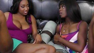 Curvy ebony lesbos licking cunts in sixty nine