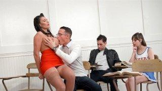 Teacher Makayla Cox gets her big boobs worshipped