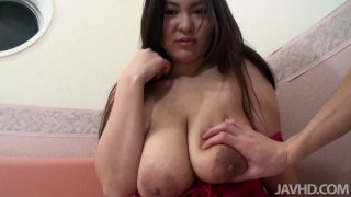 Gorgeous japanese BBW Airi Ai spreads her hairy cunt for vibrator