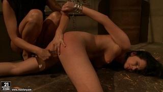 Mandy Bright hot slut dildo fucking a lusty babe