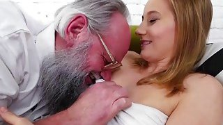 Sexy hottie Kiki Cyrus likes to be fucked by older dude Albert